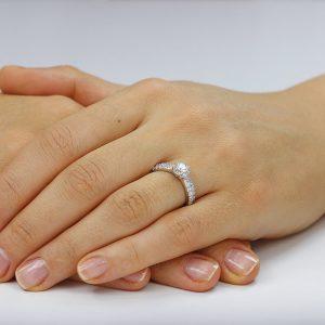 Inel de logodna argint Solitar cu cristale laterale TRSR035, Corelle