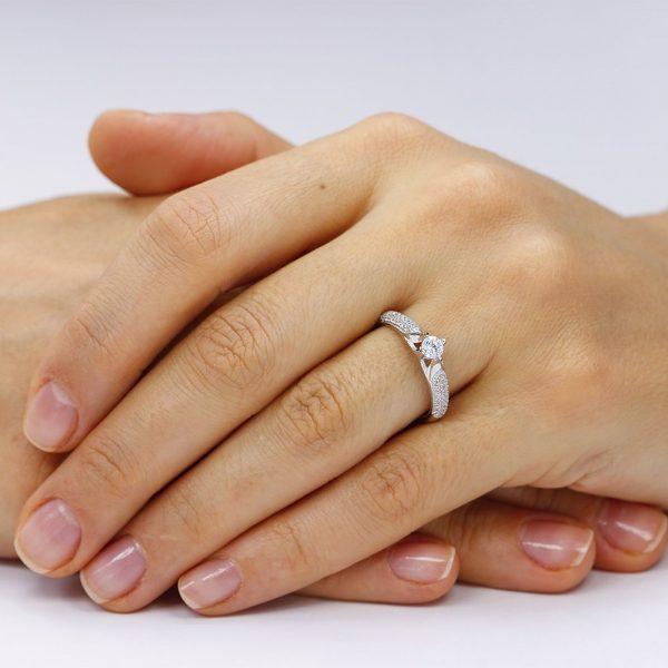 Inel argint Solitar cu cristale laterale TRSR187, Bijuterii - Corelle